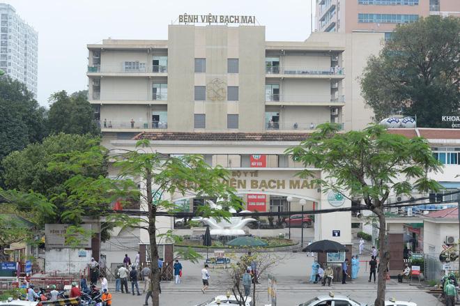Hà Nội phong tỏa cả tòa nhà 34T Hoàng Đạo Thúy, Chủ tịch Chung báo cáo Thủ tướng BV Bạch Mai có 20 người dương tính Covid-19 - Ảnh 1.