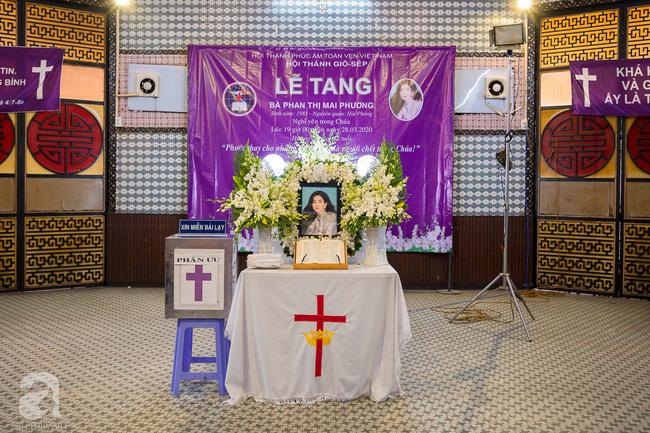 Tang lễ diễn viên Mai Phương diễn ra lặng lẽ, gia đình bạn bè không nén nổi nước mắt - ảnh 2