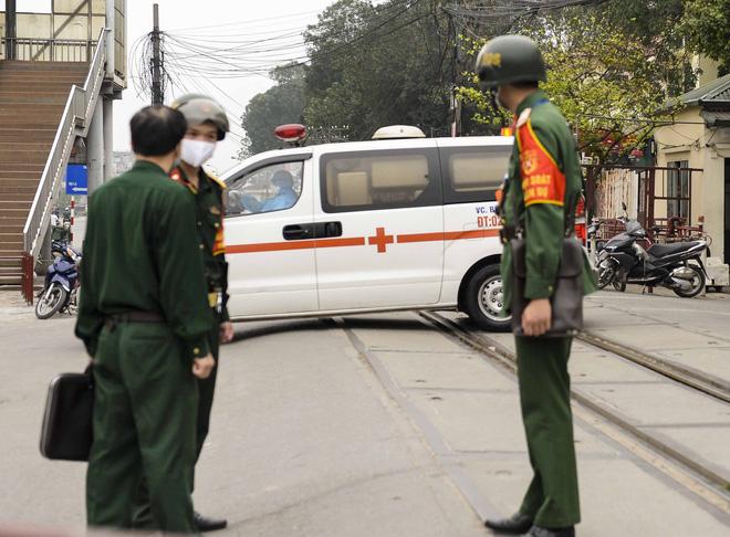 Việt Nam có 179 ca mắc Covid-19, ổ dịch SARS-CoV-2 tại Bệnh viện Bạch Mai lây lan từ đâu? - Ảnh 4.