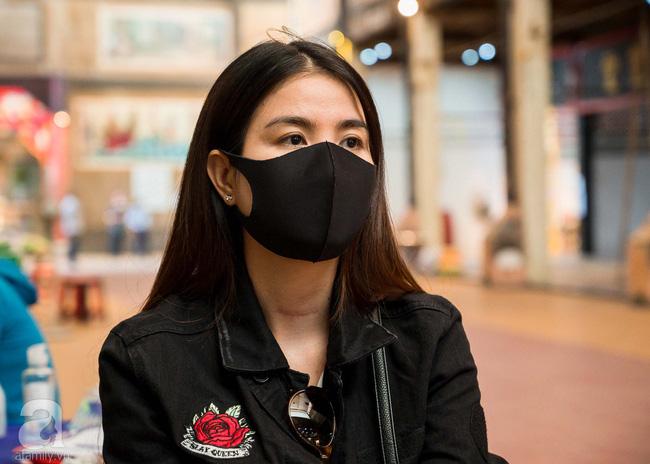 Tang lễ diễn viên Mai Phương diễn ra lặng lẽ, gia đình bạn bè không nén nổi nước mắt - ảnh 6
