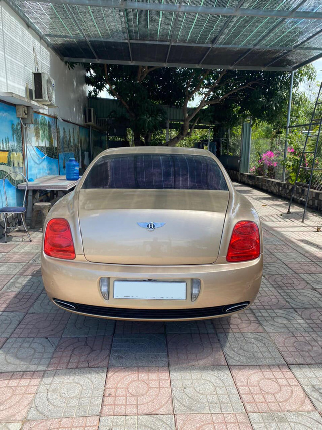 Bentley hết thời bán giá 1,9 tỷ đồng - Khi xe siêu sang rẻ ngang 2 xe cỏ - Ảnh 2.