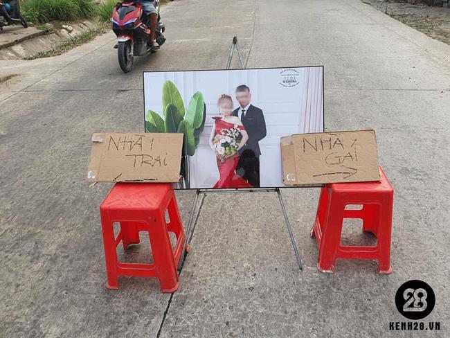 Đám cưới Kiên Giang được dân mạng share ảnh nhiệt tình nhưng nhìn đâu cũng thấy điều sai trái vì chi tiết ảnh cưới của cô dâu, chú rể - Ảnh 2.