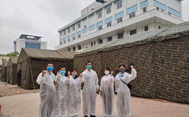 Bạch Mai lập bệnh viện dã chiến ngay trong khuôn viên, GĐ bệnh viện: Tình trạng bên trong hiện nay vẫn tốt