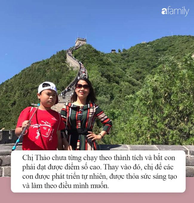 Thấy mẹ mải mê cày phim và ngắm diễn viên Hàn, 2 con trai buông lời cà khịa khiến bố cười sung sướng còn mẹ giận tím người - Ảnh 4.