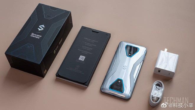Trên tay Black Shark 3: Siêu phẩm smartphone chơi game của Xiaomi - Ảnh 2.