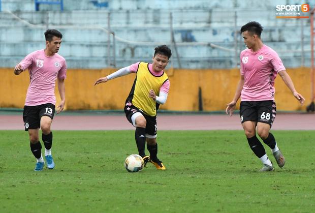 Đình Trọng đi tái khám, chắc chắn không thi đấu trận khai màn V.League 2020: CLB Hà Nội đặt niềm tin vào bộ đôi tuyển thủ U23 - Ảnh 1.