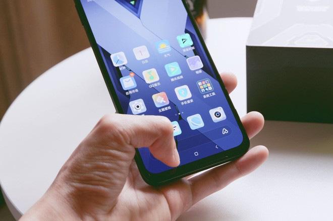 Trên tay Black Shark 3: Siêu phẩm smartphone chơi game của Xiaomi - Ảnh 11.
