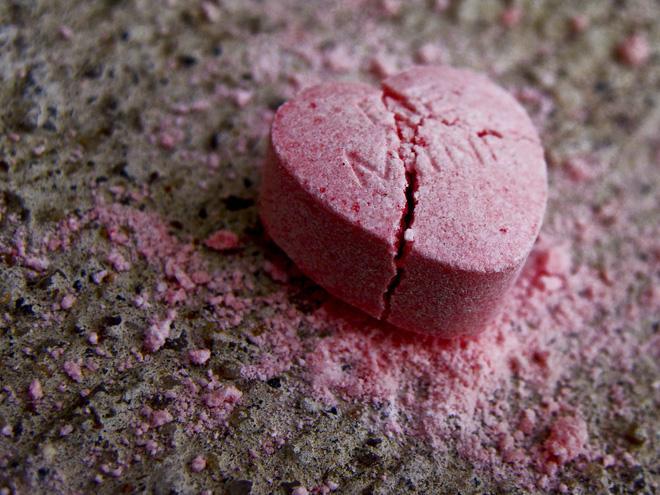 Khoa học có thể chữa lành được trái tim tan vỡ vì tình không? - Ảnh 4.