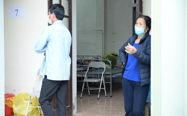 [Video] Cận cảnh căn nhà bị niêm phong của bệnh nhân thứ 21, xác định những người tiếp xúc với 4 bệnh nhân nhiễm Covid-19 ở Hà Nội - Ảnh 1.