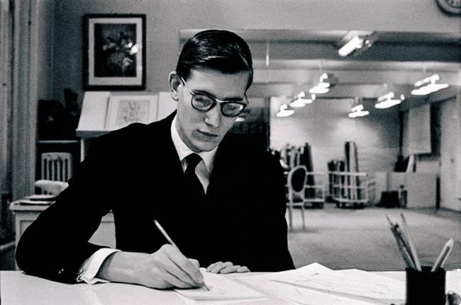 Người đàn ông cực phẩm của làng thiết kế thời trang: Tài năng thiên phú nhưng cuộc đời phủ đầy thăng trầm cùng tình yêu có 1-0-2 - Ảnh 2.