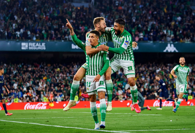 Đồng đội cũ của Messi khiến Real Madrid sấp mặt và chính thức phải dâng ngôi đầu vào tay Barcelona - Ảnh 7.