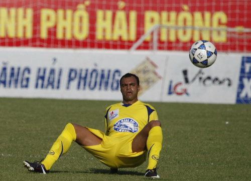 CLB V.League gây sốc khi chiêu mộ nhà vô địch World Cup rồi nhận về cái kết đắng lòng - Ảnh 5.