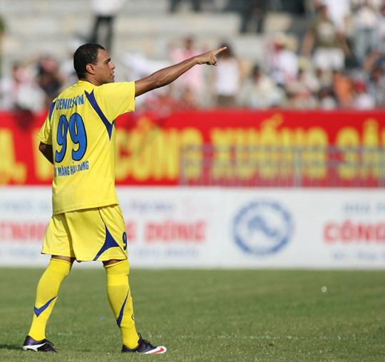 CLB V.League gây sốc khi chiêu mộ nhà vô địch World Cup rồi nhận về cái kết đắng lòng - Ảnh 6.