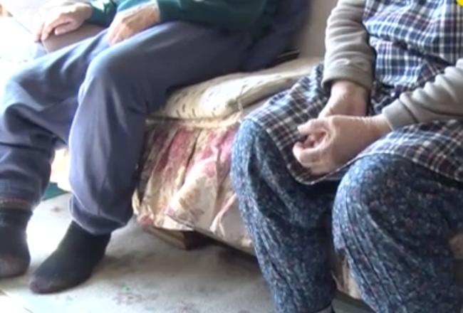 Vợ chồng già Nhật Bản bị cướp xông vào nhà lấy tiền, trước khi trốn thoát hắn để lại 10 chiếc khẩu trang trong sự ngỡ ngàng của nạn nhân - Ảnh 2.