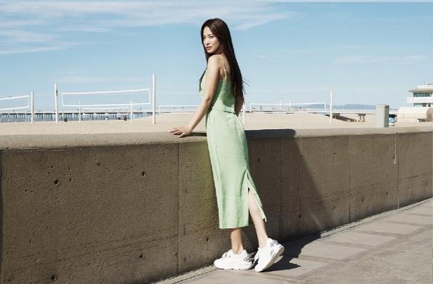 Bộ ảnh mới khoe gây bão của Song Hye Kyo: U40 mà trẻ đẹp mơn mởn như gái đôi mươi, body hậu ly hôn lột xác bất ngờ - Ảnh 5.