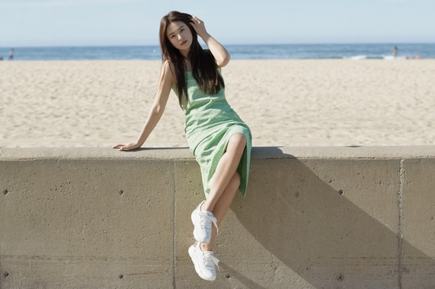 Bộ ảnh mới khoe gây bão của Song Hye Kyo: U40 mà trẻ đẹp mơn mởn như gái đôi mươi, body hậu ly hôn lột xác bất ngờ - Ảnh 6.
