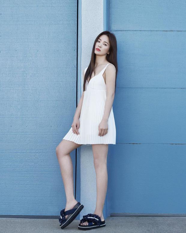 Bộ ảnh mới khoe gây bão của Song Hye Kyo: U40 mà trẻ đẹp mơn mởn như gái đôi mươi, body hậu ly hôn lột xác bất ngờ - Ảnh 8.