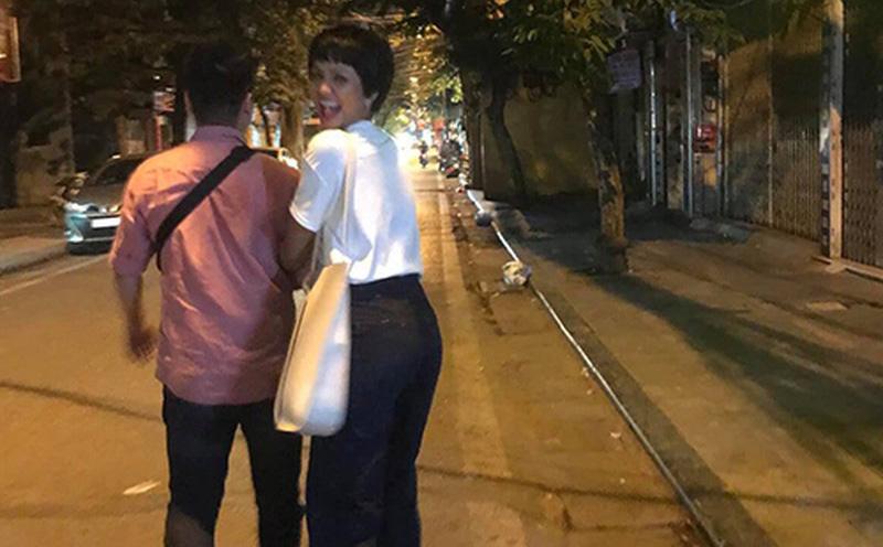 H'Hen Niê: ''Mẹ đồng ý quan hệ của tôi với bạn trai''