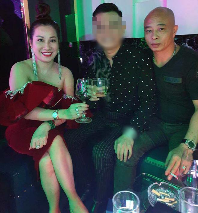Cặp vợ chồng nữ đại gia bất động sản Thái Bình vừa bị bắt được biết đến với nhiều màn chịu chơi - Ảnh 9.