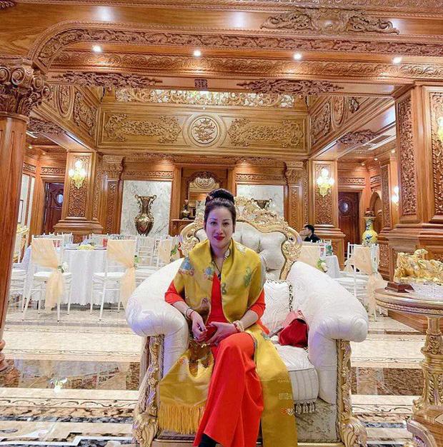 Cặp vợ chồng nữ đại gia bất động sản Thái Bình vừa bị bắt được biết đến với nhiều màn chịu chơi - Ảnh 7.