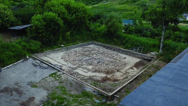 Người tiền sử xây nhà sống qua Kỷ băng hà từ xương quái thú khổng lồ đã bị tuyệt chủng? - Ảnh 2.