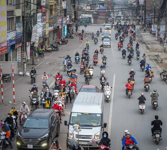Diễn biến mới nhất về sức khỏe của 4 ca mắc COVID-19 nặng ở Việt Nam; Bộ Y tế thông tin việc xử lý 3 ổ dịch tại Hà Nội và TP.HCM - Ảnh 2.