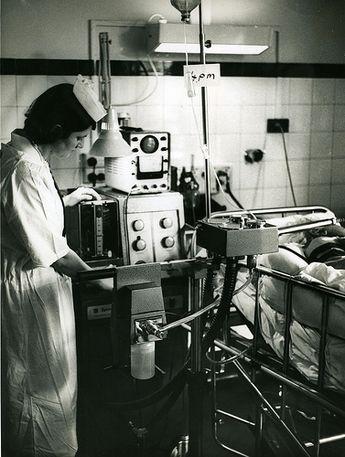 Lịch sử của máy thở và đơn vị chăm sóc tích cực ICU: Những hòn đảo sống trong đại dịch COVID-19 - Ảnh 5.