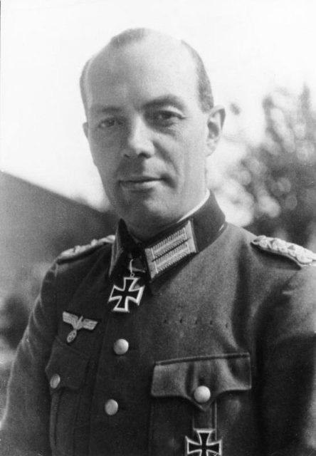 6 lần thoát khỏi lưỡi hái tử thần của Hitler: Vì sao sau lần chết hụt cuối cùng trùm phát xít bỗng biến mất cho đến khi tự sát? - Ảnh 5.