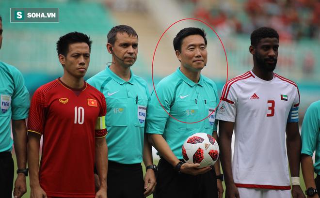 Trọng tài Hàn Quốc từng suýt mất nghiệp vì