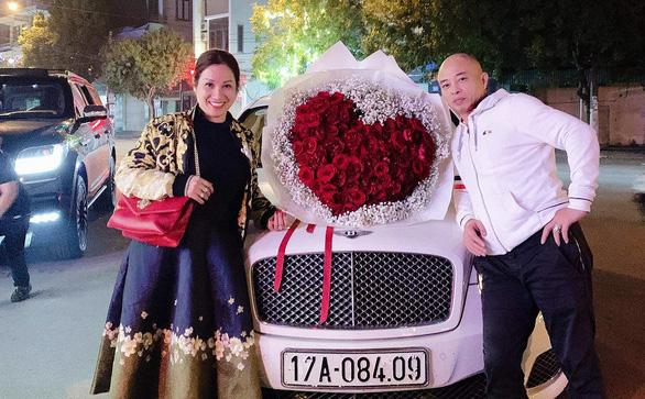 Chuyên gia tội phạm học: Vợ chồng đại gia bất động sản ở Thái Bình làm từ thiện để che giấu hành vi phạm tội?