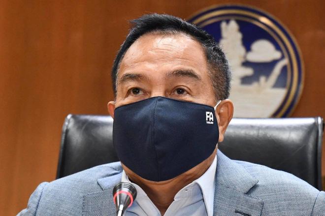 Văn Lâm có thể bị giảm 50% lương, chủ tịch LĐBĐ Thái Lan khẳng định không trả nợ hộ cầu thủ đánh bạc bỏ trốn - Ảnh 2.