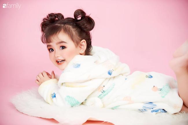 Ở nhà quá chán, hot mom Hà Nội nảy ra ý định lấy quần đùi của chồng cosplay cho con gái 2 tuổi, không ngờ ra lò bộ ảnh đẹp như tạp chí - Ảnh 22.