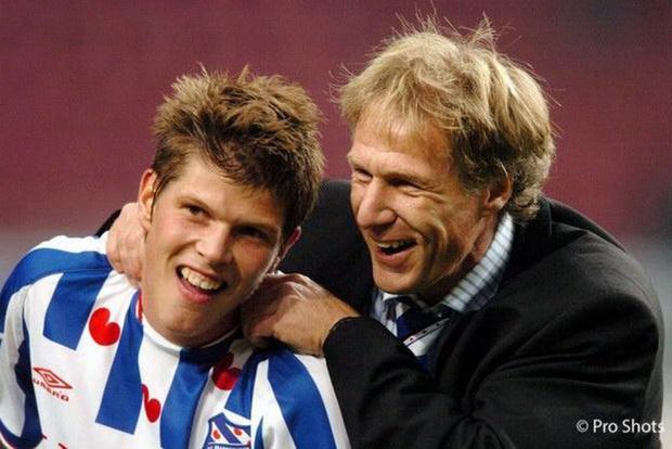 Cựu HLV SC Heerenveen liên tục chê Văn Hậu từng 2 lần xung đột với ban lãnh đạo, bị dọa giết vì thành tích quá tệ - Ảnh 1.