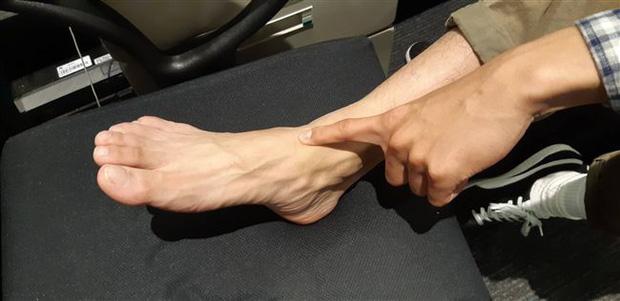 Tự kiểm tra sức khỏe mạch máu tại nhà theo cách đơn giản chỉ với ngón tay và 3 bước thực hiện - Ảnh 2.