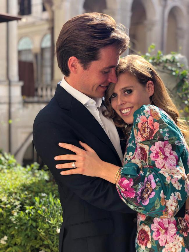 Công chúa nước Anh - thành viên xui xẻo nhất hoàng gia, chính thức hủy bỏ hôn lễ vì Covid-19, chịu nhiều thiệt thòi so với Meghan Markle - Ảnh 1.