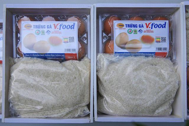 Cận cảnh ATM thực phẩm miễn phí dành cho người nghèo - Ảnh 4.