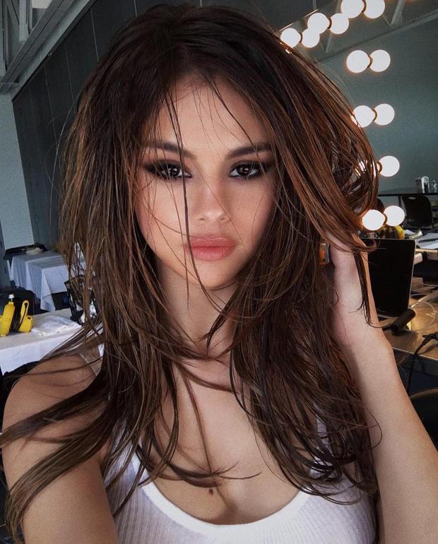 """Chị đẹp Selena Gomez từng khiến cả thế giới nín thở vì 1 bức ảnh đã trở lại: Selfie sương sương 30 phút, 2 triệu người nguyện """"quỳ rạp"""" - Ảnh 4."""