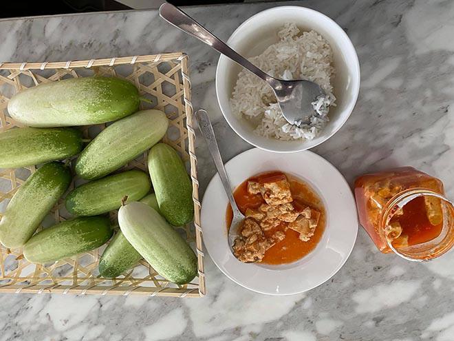 Bữa sáng đạm bạc và sở thích ăn uống của MC giàu nhất Việt Nam Quyền Linh - Ảnh 2.