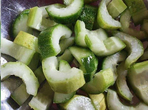 Món salad ăn ngon hết cỡ mà làm lại siêu nhanh - Ảnh 1.