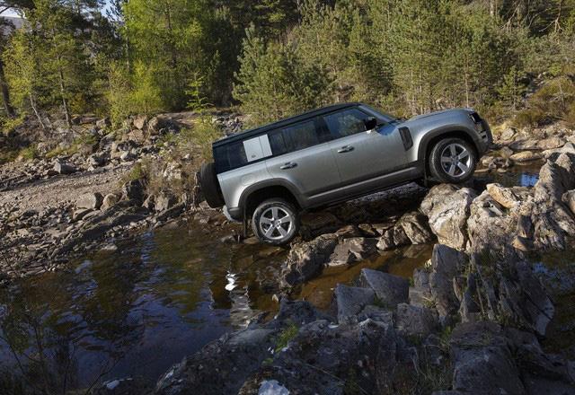 Land Rover Defender sẽ có bản cỡ nhỏ, giá rẻ chỉ bằng một nửa bản gốc, cạnh tranh cả xe phổ thông - Ảnh 1.