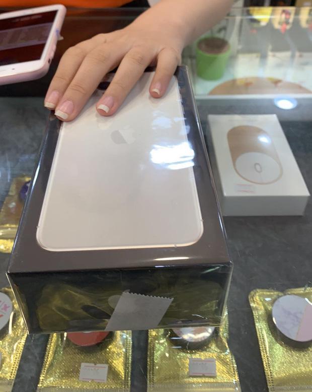 Gái xinh được trai Tinder tặng iPhone 11 Pro Max sau nửa tháng match nhau: Bạn ấy chưa hề có ý gì với mình, chắc thời tới cản không kịp - Ảnh 3.