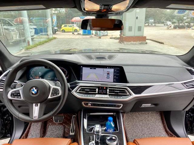 BMW X7 mới chạy 4.600 km đã được rao bán, mức giá gần 6,7 tỷ đồng gây tranh luận: 'Giá này thà mua xe mới' - Ảnh 3.