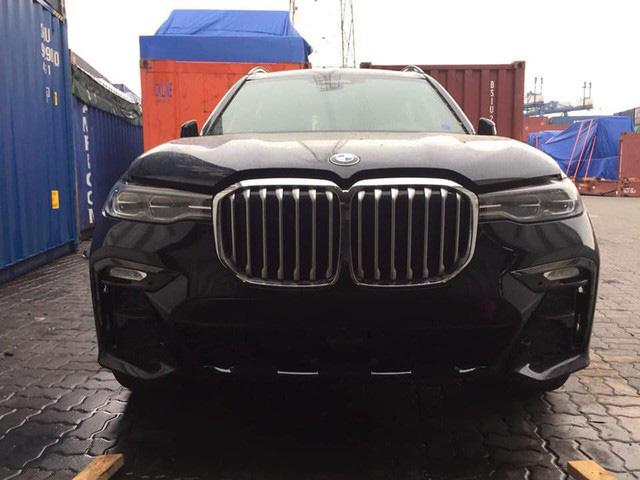 BMW X7 mới chạy 4.600 km đã được rao bán, mức giá gần 6,7 tỷ đồng gây tranh luận: 'Giá này thà mua xe mới' - Ảnh 5.