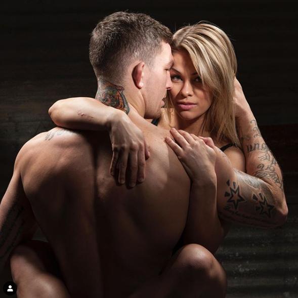 Nữ võ sỹ UFC khoe ảnh cùng chồng tập luyện... khỏa thân tại nhà giữa mùa dịch Covid-19 - Ảnh 2.