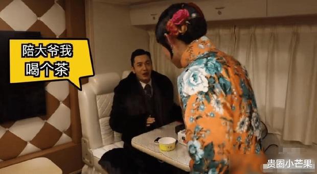Chỉ bằng 1 câu nói với bạn diễn, Huỳnh Hiểu Minh đã tiết lộ tình cảm thật đối với Angela Baby - Ảnh 1.