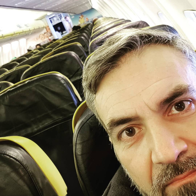 Chùm ảnh đi máy bay mùa Covid-19: Vắng vẻ như trên đảo hoang, một mình bao trọn cả khoang không ai tranh giành - Ảnh 4.