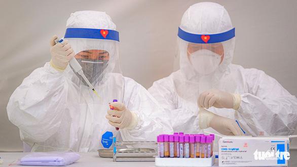Cập nhật dịch Covid-19 ngày 2/4: Khoảng 500 người làm việc tại sân bay Nội Bài chưa được xét nghiệm Covid-19; Việt Nam có 222 ca bệnh - Ảnh 3.