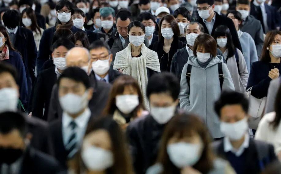 24h qua ảnh: Người dân Nhật Bản tập trung đông nghịt tại ga tàu điện
