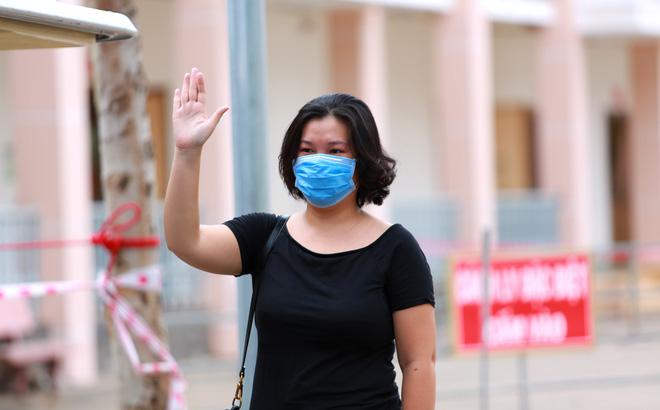 Bàn giao 2 máy thở MV20 đầu tiên trong dự án tặng 2.000 máy thở cho Việt Nam chống COVID-19; Việt Nam tròn 5 ngày không có ca mắc mới; Bình Thuận đề nghị rời khỏi nhóm nguy cơ cao - Ảnh 1.
