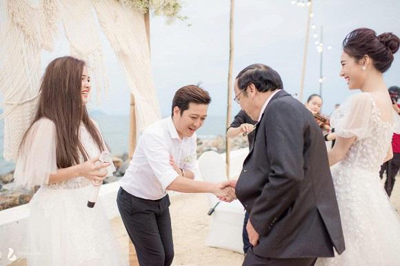 Những khoảnh khắc xúc động nhất lễ đính hôn bí mật của Trường Giang - Nhã Phương lần đầu được tiết lộ - Ảnh 1.